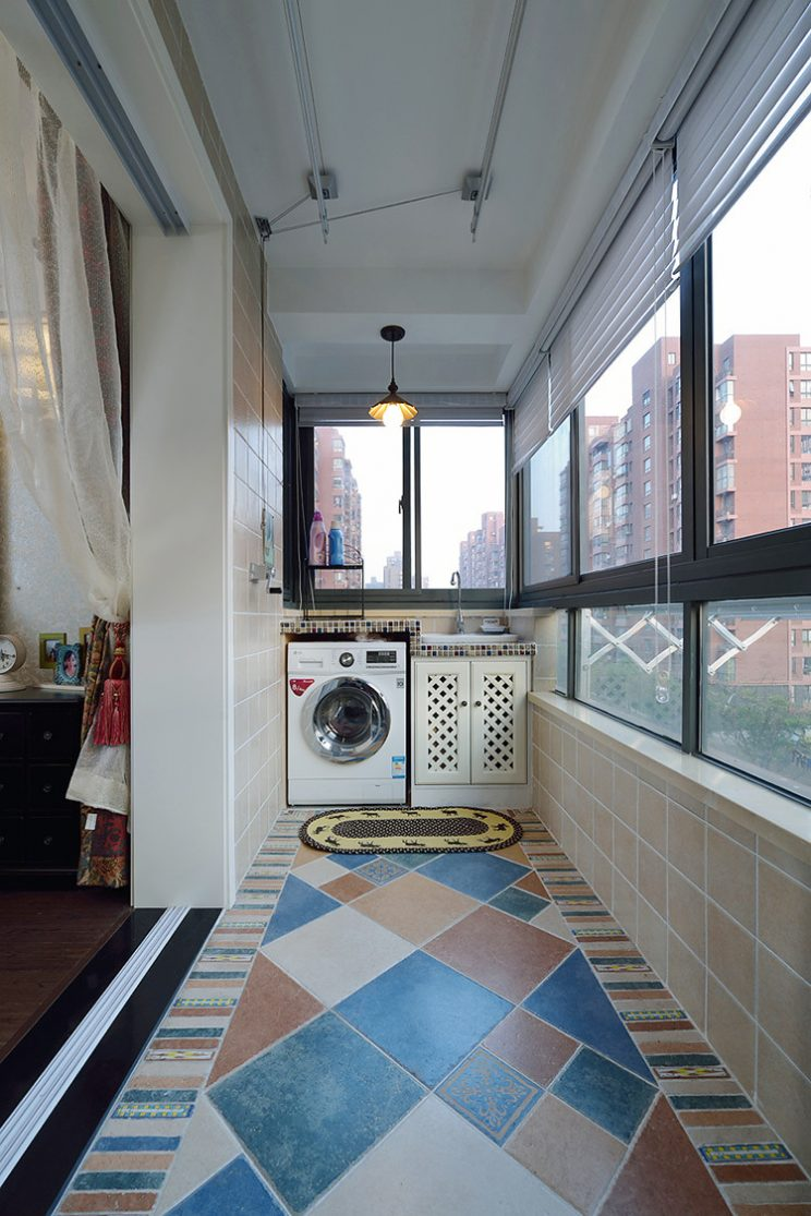 Mediterranean-style-living-balcony